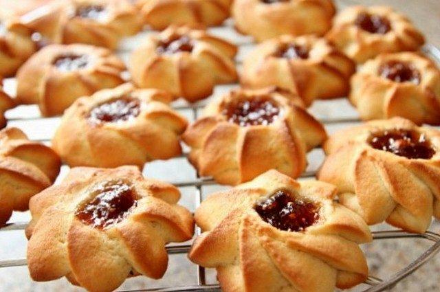 صناعة الخبز والحلويات في المنزل وبيعها